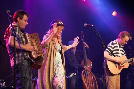 Eddi Reader performing at the Cambridge Folk Festival 2014. (Photo by Charles Sturman)