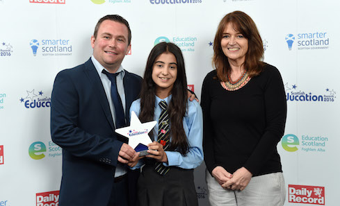 Scottish Education Awards 2016, Head of Creative Learning Joan Parr with winners St Albert's Primary School. Photo: The Daily Record