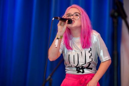 Be Charlotte performs at Showcasing Scotland