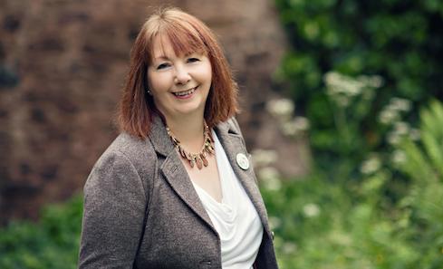 Author Sandra Ireland